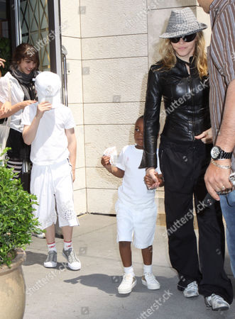 Editorial photo of Madonna and Family Visit the Kabbalah Centre, New York, America - 23 May 2009