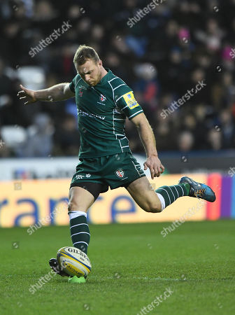 Greig Tonks of London Irish with a kick at goal during the Aviva Premiership Rugby match between London Irish v Newcastle Falcons on December 30th 2017 at Madejski Stadium, Reading, Berkshire England. (Photo by Gareth Davies/PPAUK)