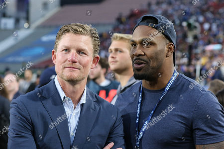 Los Angeles, CA...Stephen Jackson and Les Snead during the NFL NFC Wildcard game between the Atlanta Falcons vs Los Angeles Rams at the Los Angeles Memorial Coliseum in Los Angeles, Ca on , 2018. Jevone Moore / CSM