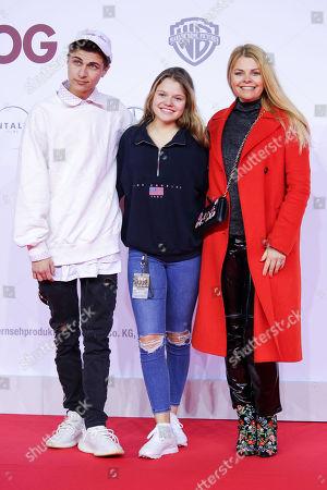 Lukas Rieger, Faye Montana mit Mutter Anne-Sophie Briest