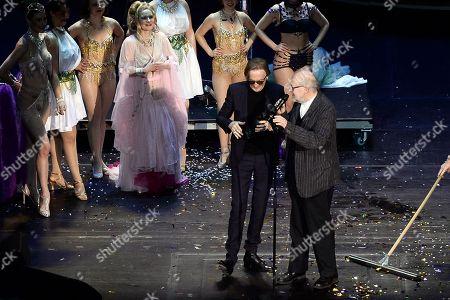Marius Mueller-Westernhagen (Preistraeger des B.Z.-Kulturpreis) and Juergen Flimm bei der Verleihung   .