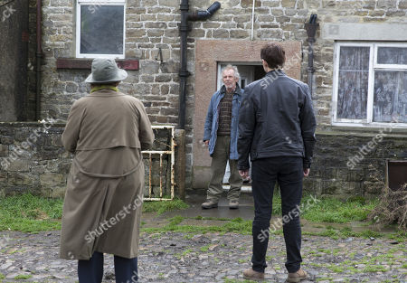Brenda Blethyn as DCI Vera Stanhope, Kenny Doughty as DS Aiden Healy and Christopher Fairbank as Robert Naresby.