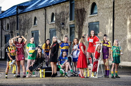 Pictured today at the launch of the 2018 Littlewoods Ireland Camogie Leagues is (L-R) Michelle Teehan (Kilkenny), Rebecca Hennelly (Galway), Sarah Harding (Offaly), Alex Griffen (Dublin), Orlaith Duggan (Clare), Anna Geary (Littlewoods Ireland Ambassador), Laura O'Neill (Limerick), Orla O'Dwyer (Tipperary), Brianna O'Reagan (Waterford), Emma Brennan (Carlow), Aoife Murray (Cork), Sarah O'Connor and Megan Thynne (Meath). To follow all the action from this year?s Leagues, follow us on Twitter @OfficialCamogie, on Instagram Instagram/OfficialCamogie or on Facebook Facebook/OfficialCamogieAssociation using the hashtag #StyleOfPlay