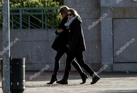 Spanish TV presenter Arancha de Benito (L) and her daughter Zaira (R), who was friends with late Diana Quer, arrive at her funeral in Madrid, Spain, 11 January 2018. Diana Quer went missing on 22 August 2016. The arrested suspect confessed killing Diana Quer and took the Civil Guard agents to the place he had hidden the body.