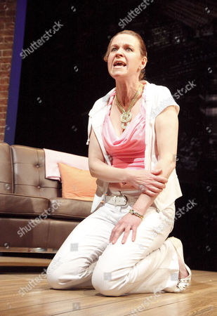 Vicki Pepperdine (Shelley)