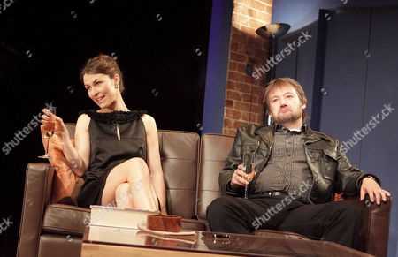 Helen Baxendale (Lara), James Dreyfus (Joe)