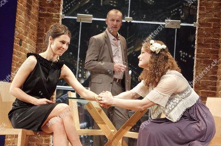 Helen Baxendale (Lara), Aden Gillett (Richard), Emma Cunniffe (Caitlin)