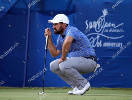 Ben Silverman lines up his putt on the 17th hole during the first round of the 20th anniversary of the Sony Open at the Waialae Country Club in Honolulu, Hawaii - Michael Sullivan/CSM