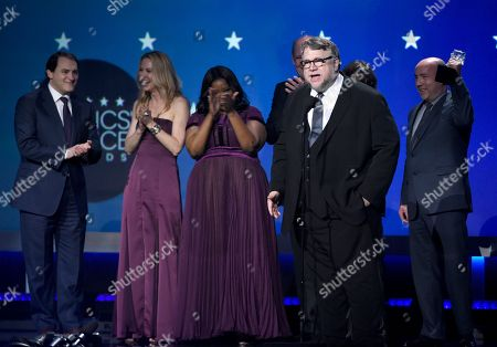 """Guillermo del Toro and the cast and crew of """"The Shape of Water"""" accept the award for best picture at the 23rd annual Critics' Choice Awards at the Barker Hangar, in Santa Monica, Calif"""