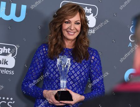 """Allison Janney, winner of the award for best supporting actress - film for """"I, Tonya"""", poses in the press room at the 23rd annual Critics' Choice Awards at the Barker Hangar, in Santa Monica, Calif"""