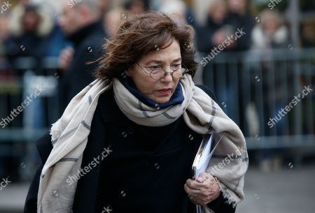 British singer Jane Birkin arrives at the Montmartre cemetery for French singer France Gall's burial in Paris, Friday, Jan.12, 2018. French pop singer France Gall, who shot to fame in the 1960s by winning the Eurovision Song Contest then produced hits and sold millions of albums over a four-decade career, died last Sunday. She was 70