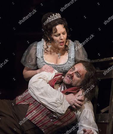 Adrianne Pieczonka as Tosca, Joseph Calleja as Cavaradossi