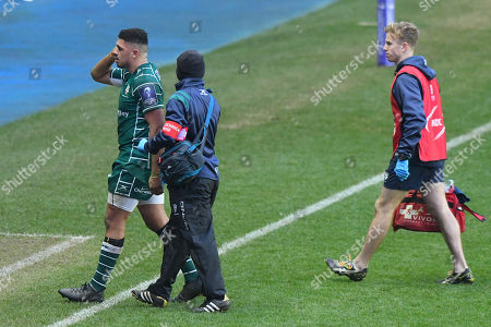 Isaac Curtis-Harris of London Irish comes off after injuring himself during the European Rugby Challenge Cup Pool 4 match between London Irish and Krasny Yar at Madejski Stadium on January 13th 2018 in Reading, Berkshire, England. (Photo by Gareth Davies/PPAUK)