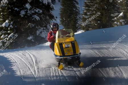 vintage snowmobile race Lincoln