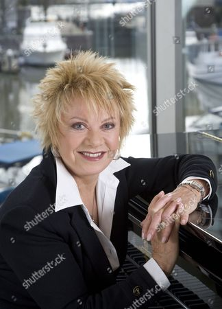Editorial image of Elaine Page at the Aquasia Bar at the Wyndham Grand Hotel, Chelsea Harbour, London, Britain - 07 Feb 2009
