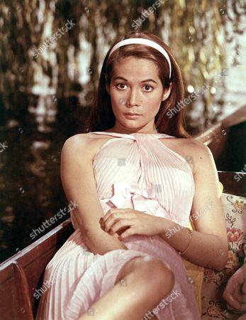 NANCY KWAN - 1964
