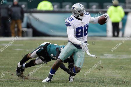 Dez Bryant, Rasul Douglas. Dallas Cowboys' Dez Bryant (88) in action against Philadelphia Eagles' Rasul Douglas (32) during an NFL football game against the Philadelphia Eagles, in Philadelphia. Dallas won 6-0