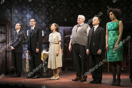 Tom Vaughan-Lawlor (McCann), Stephen Mangan (Goldberg), Zoe Wanamaker (Meg), Peter Wright (Petey Boles), Toby Jones (Stanley Webber) and Pearl Mackie (Lulu) during the curtain call