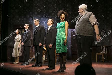 Zoe Wanamaker (Meg), Tom Vaughan-Lawlor (McCann), Stephen Mangan (Goldberg), Toby Jones (Stanley Webber), Pearl Mackie (Lulu) and Peter Wright (Petey Boles) during the curtain call