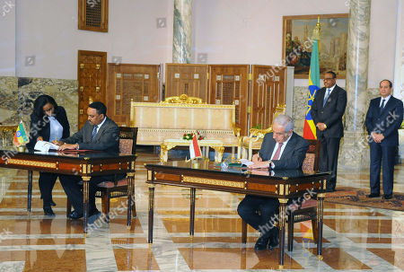 Stock Image of Egyptian President Abdel Fattah al-Sisi and Ethiopia Prime Minister Hailemariam Desalegn attend a signing ceremony at the Presidential Palace in the capital Cairo