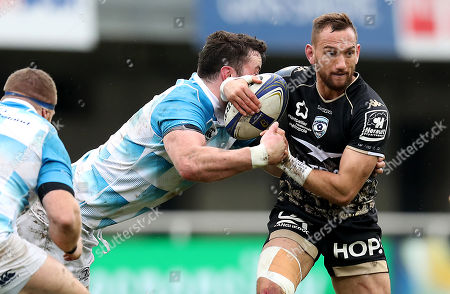 Montpellier vs Leinster. Leinster's James Ryan tackles Aaron Cruden of Montpellier