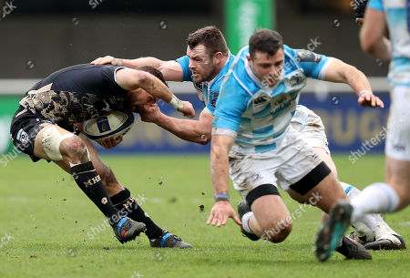 Montpellier vs Leinster. Leinster's Cian Healy tackles Aaron Cruden of Montpellier
