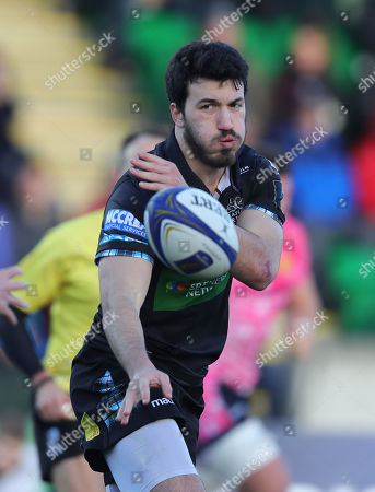 Leonardo Sarto of Glasgow Warriors spins the ball out during the European Rugby Champions Cup match between Glasgow Warriors and Exeter Chiefs at Scotstoun Stadium on January 20th 2018, Exeter, Devon (