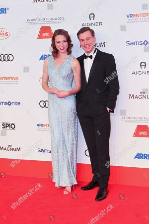 Freya Mavor and David Kross,