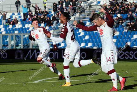 Torino's Joel Obi (C) celebrates with his teammates after scoring the 0-1 goal during the Italian Serie A soccer match US Sassuolo vs Torino FC at Mapei Stadium in Reggio Emilia, Italy, 21 January 2018.