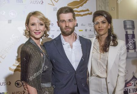 Anne Heche, Mike Vogel, Sofia Pernas
