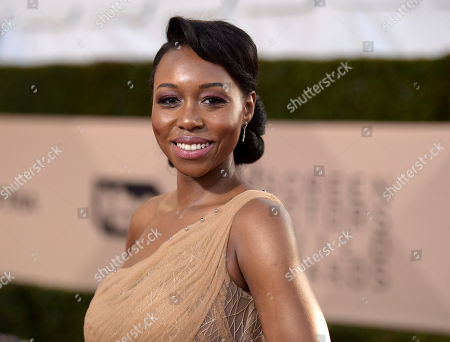 Amanda Warren arrives at the 24th annual Screen Actors Guild Awards at the Shrine Auditorium & Expo Hall, in Los Angeles