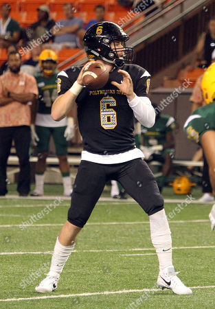Team Makai quarterback Devin Leary #6 (Timber Creek HS / NC State commit) during the Polynesian Bowl high school football showcase at Aloha Stadium in Honolulu, Hawaii - Michael Sullivan/CSM