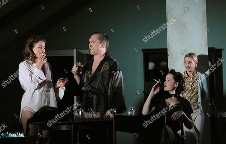 'Aunt Dan and Lemon' - Holly Gross (June), Martin McDougall (Andy), Scarlett Johnson (Mandy) and  Jane Horrocks ( Lemon )