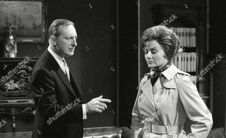 Margaret Lockwood, as Harriet Peterson and Peter Cellier, as Giles Maxwell
