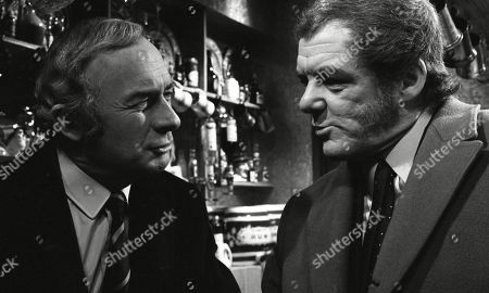 Victor Maddern, as Eddy Plater, and William Franklyn, as James Kirby