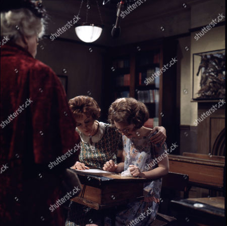 Dorothy Tutin (as Sarah Burton), Judi Bowker (as Midge Carne)