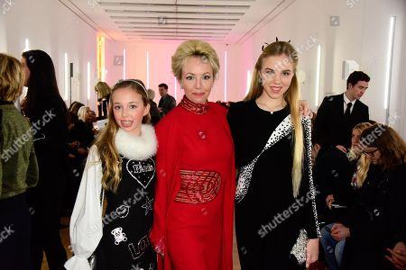 S.A.R. Princesse Maria Chiara de Bourbon des Deux-Siciles, S.A.R Princesse Camilla de Bourbon des Deux-Siciles, S.A.R Princesse Maria Carolina de Bourbon des Deux-Siciles