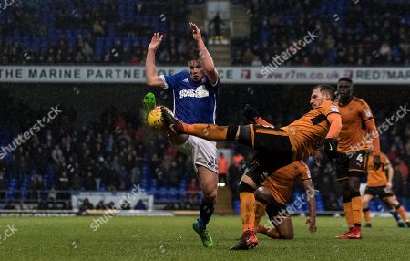 Stephen Gleeson chases a clearance down - Ipswich v Wolves