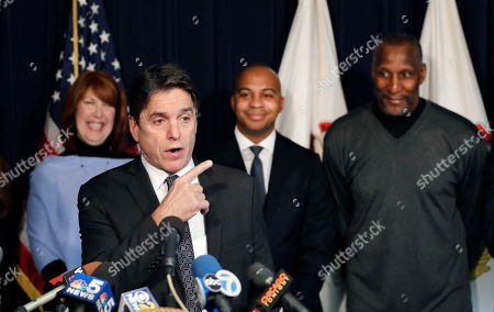 Tregg Duerson, Mike Adamle, Carol Sente, Otis Wilson. Former Chicago Bears running back Mike Adamle, left, speaks in support of the Dave Duerson Act as state Rep. Carol Sente, left, Tregg Duerson, second from right, and former Bears linebacker Otis Wilson listen during a news conference, in Chicago. The Dave Duerson Act to Prevent CTE would ban tackle football for Illinois children younger than 12 years old. Last year, Adamle said he was diagnosed with dementia, and that his doctor saw signs of chronic traumatic encephalopathy. He believes this and the past 19 years of epileptic seizures resulted from his concussions in football
