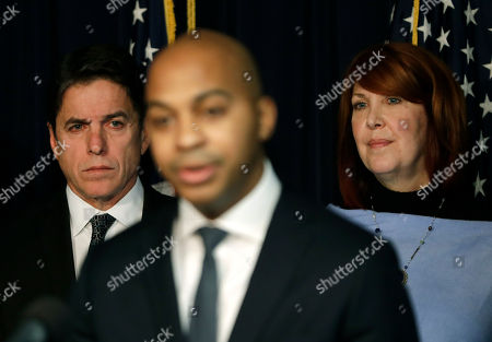 Tregg Duerson, Mike Adamle, Carol Sente. Former Chicago Bears running back Mike Adamle, left, and Illinois state Rep. Carol Sente, D-Vernon Hills, listen to Tregg Duerson, after Sente introduced the Dave Duerson Act to Prevent CTE during a news conference, in Chicago. The Dave Duerson Act would ban tackle football for Illinois children younger than 12 years old