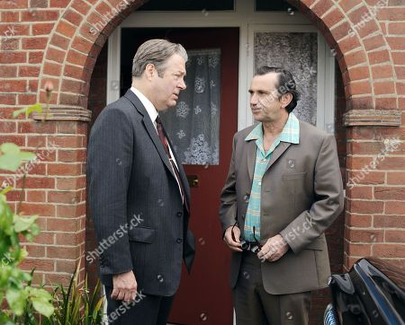 Stock Photo of Roger Allam as DCI Fred Thursday and Phil Daniels as Charlie Thursday