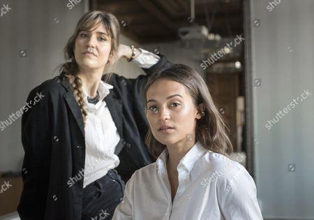 Alicia Vikander, Lisa Langseth