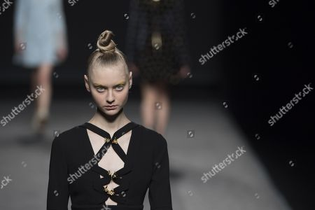 Nastya Kusakina on the catwalk