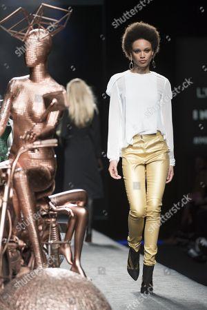 Afrodita Dorado on the catwalk