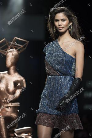 Stock Photo of Kelie Santos on the catwalk
