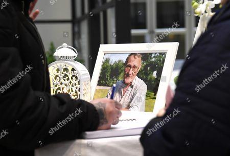 People leaving their condolence at IKEA Kungens Kurva