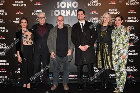 The director Luca Miniero and cast Marta Bulgherini, Gioele Dix, Frank Matano, Stefania Rocca, Eleonora Belcamino,the screenplayer Nicola Guaglianone