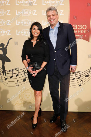 Juergen Hingsen with wife Francesca