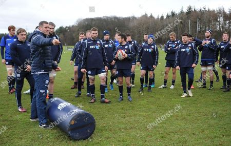 Mark Robertson - Scotland strength & conditioning coach talks the players through a drill.