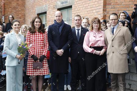 Crown Princess Victoria, Catherine Duchess of Cambridge, Prince William, Gustav Fridolin, Anna Starbrink, Prince Daniel visit to Matteusskolan, Stockholm